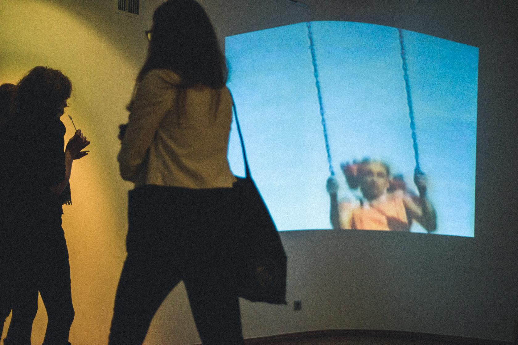 """Fotod näituse """"Noorus kui elustiil"""" avamiselt: Patrik Tamm"""